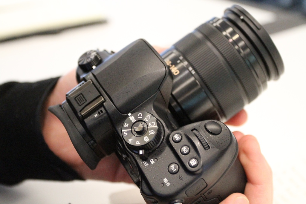 GH4 looks identical to GH3, same controls, same size.