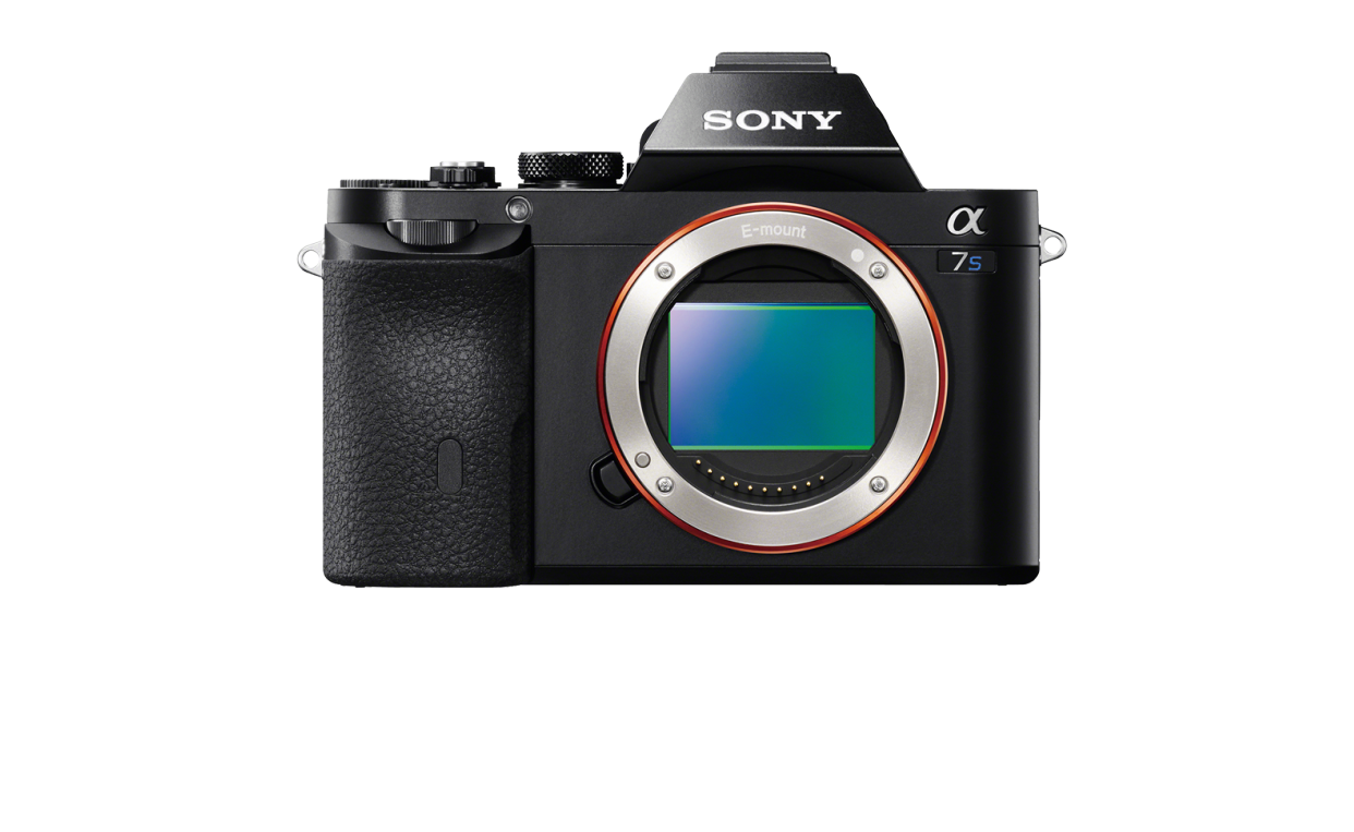 "Blue ""S"" distinguishes 4K Sony a7S from identical a7R."