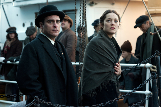 Joaquin Phoenix and Marion Cotillard in The Immigrant