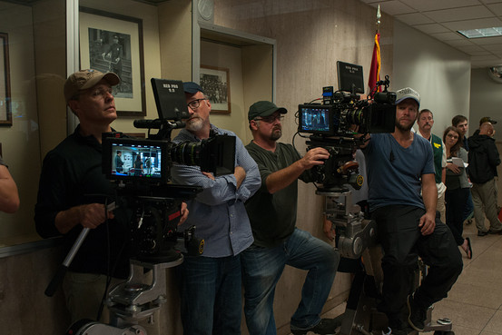 """From L to R: Camera operator Peter Rosenfeld, David Fincher and Jeff Cronenweth, behind the scenes of """"Gone Girl"""" Merrick Morton"""