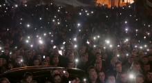 maidancellphonelightscrowdnight