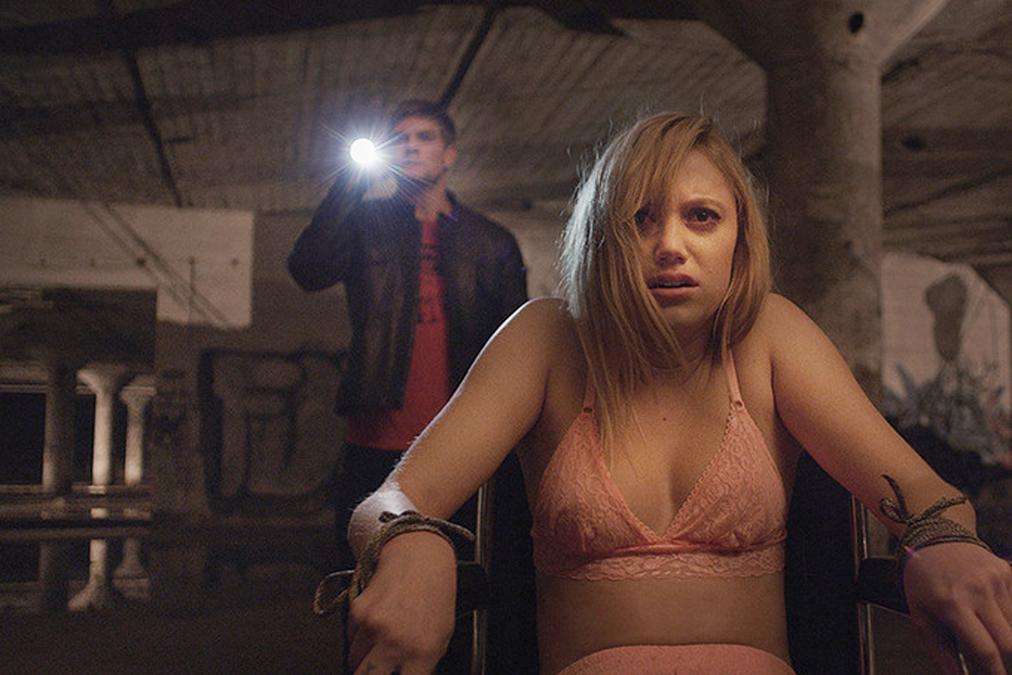 Meta Hairy David Robert Mitchell S It Follows Filmmaker