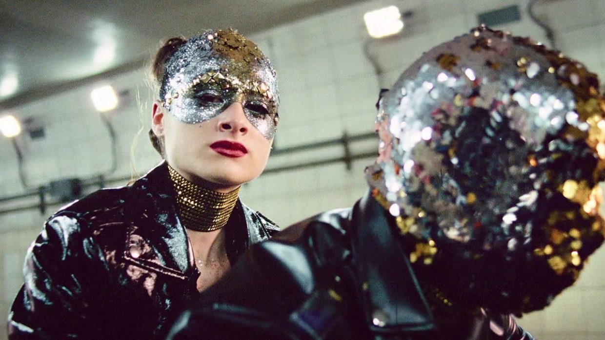 Shadows Under Strain: DP Lol Crawley and the Cipher of Vox Lux